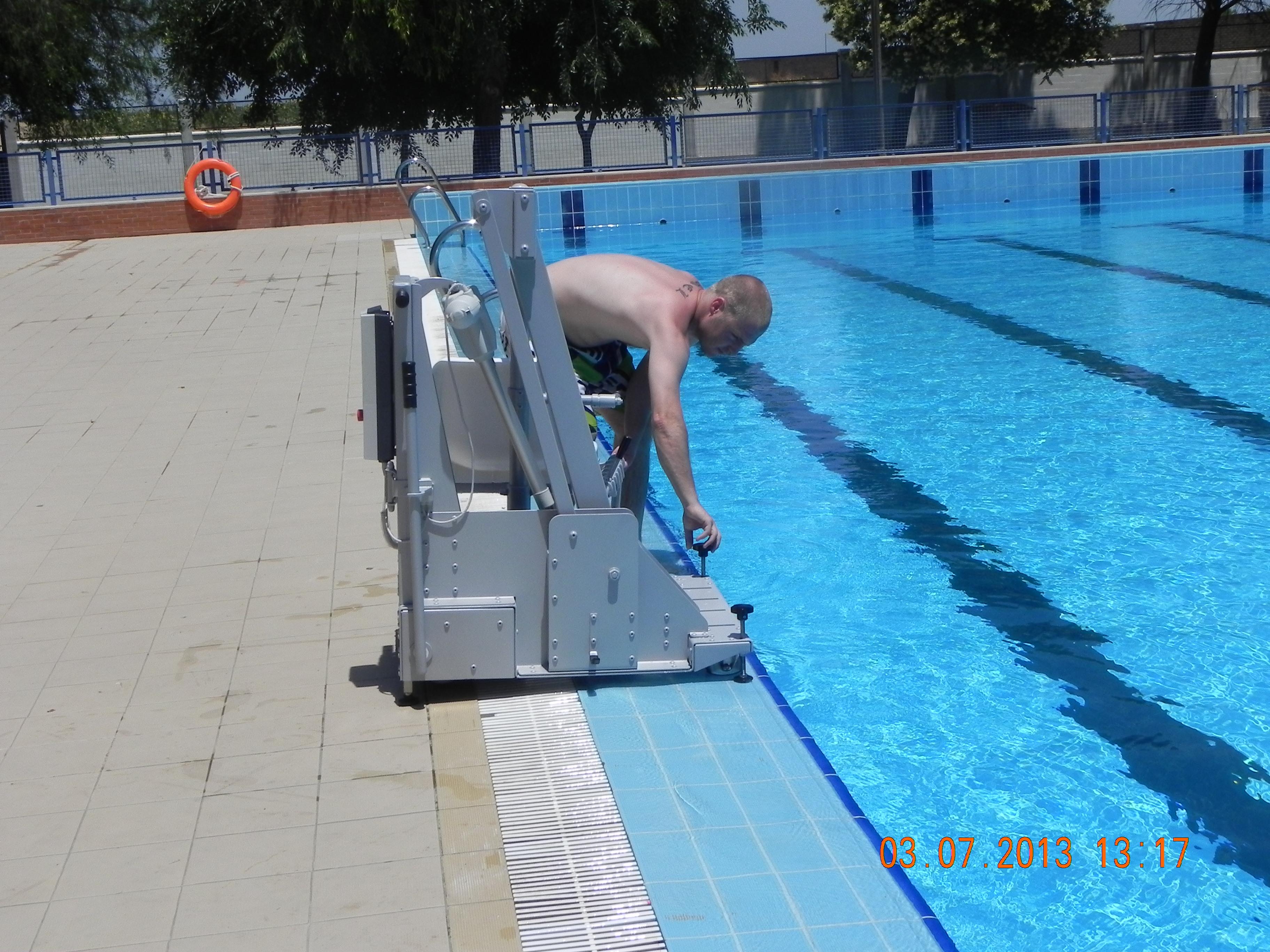 Ascensor acuático, silla para piscina modelo 400