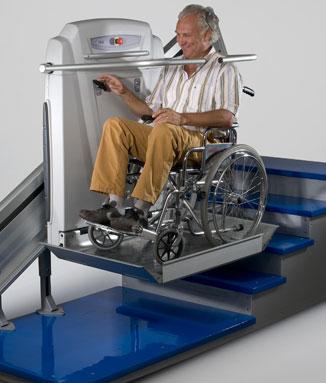 Plafaforma salvaescaleras modelo SUPRALINEA para escaleras rectas